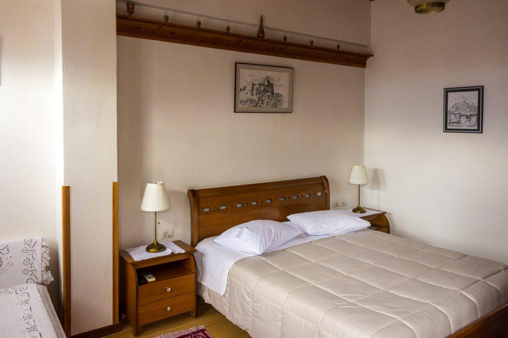 Hotel Gjirokastra guest room