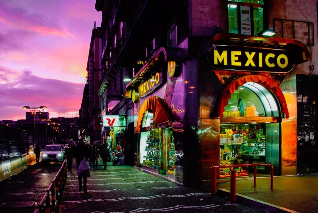 Mexico coffee bar in Piazza Garibaldi in Napoli