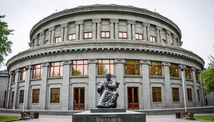 Armenia-Opera-House-tour
