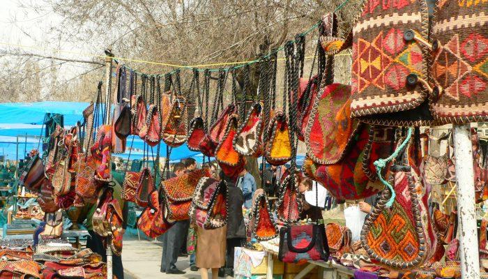Armenia-Vernisaj-Market-tour
