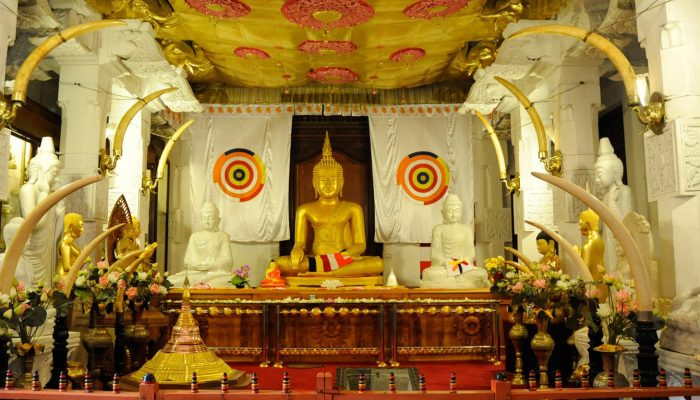 4-Kandy-Sri-Lanka-Temple-Sacred-Tooth-Relic