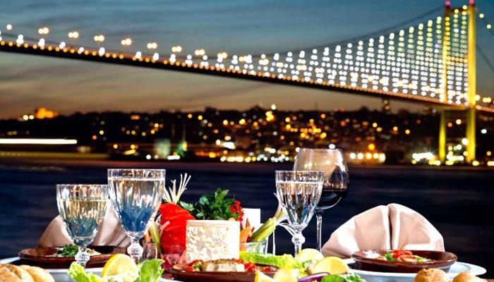 Darwish-Holidays-Istanbul-Tour-Bosphorus-Dinner-Cruise-02