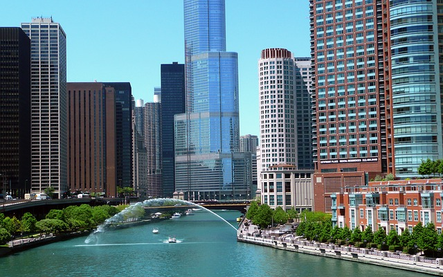 5 Cool and Fun Places To Visit in Chicago Visit Chicago   Downtown River