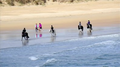 7 The Links Dunfanaghy Donegal - horse riding on the beach