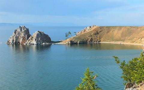 Отдых на острове Ольхон - скала Шаманка