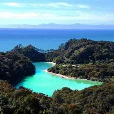 Остров Тасмания - бухта в национальном парке Фрейцинет
