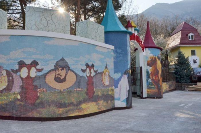 Музей-Поляна сказок у горы Ставри-Кая в Ялте