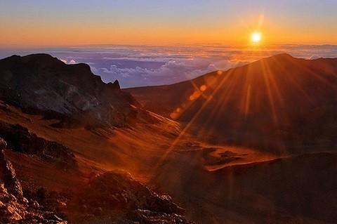 Отдых на Гавайских островах - закат в парке Халеакала