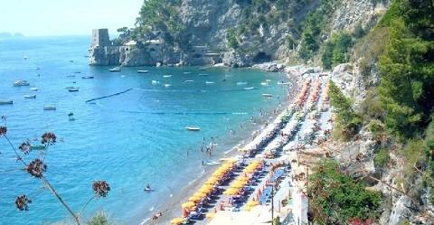 Отдых на острове Искья - пляж Лакко Амено