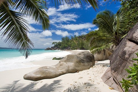 отдых на Сейшельских островах, остров Праслин - крупные валуны гранита
