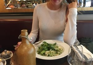 Picture for blog post- healthy places to eat in London. Green risotto with asperges.