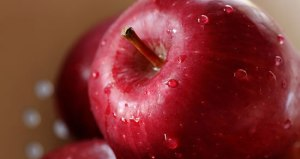 Eat A Red Apple Day - What are the benefits of eating 2 or 3 red apples almost every day?