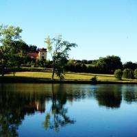 Maison Tranquil – a large lakeside retreat in the south of France, perfect for a relaxing or celebratory group family holiday and a spot of wine tasting maybe…