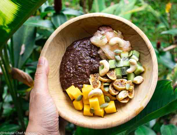 teff grain pudding with fresh fruits