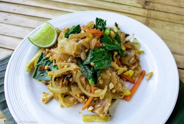 pad see ew noodles ready to eat 3