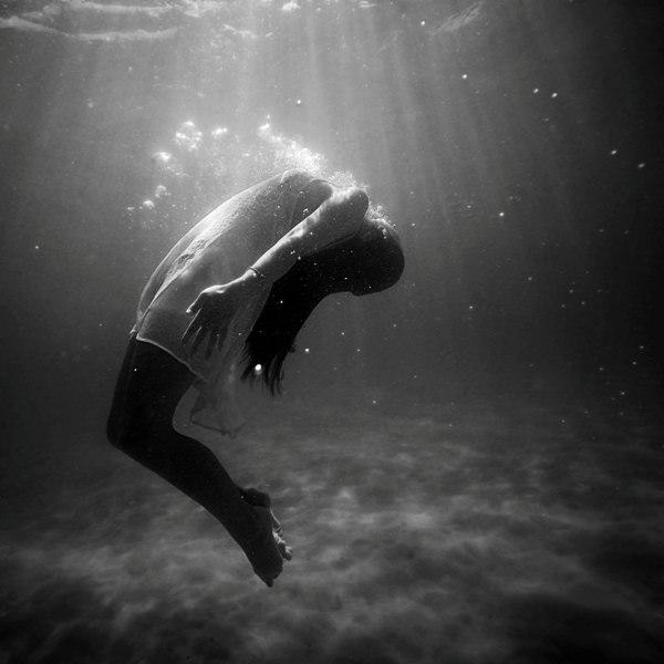 depression is like drowning in sadness