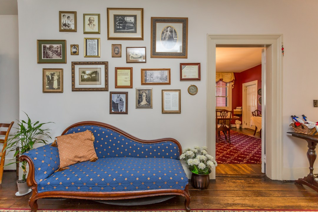 About Holladay House Bed And Breakfast, Holladay House Furniture
