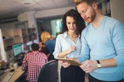 corporate-coworkers-brainstorming-in-company-7NWVK69