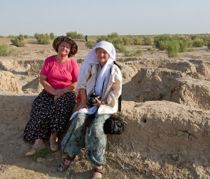Sylvia Winkelmann aon the right in Gonur, Turkmenistan, looking for seals