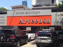 this is the granite store in Panama City where we bought our slabs