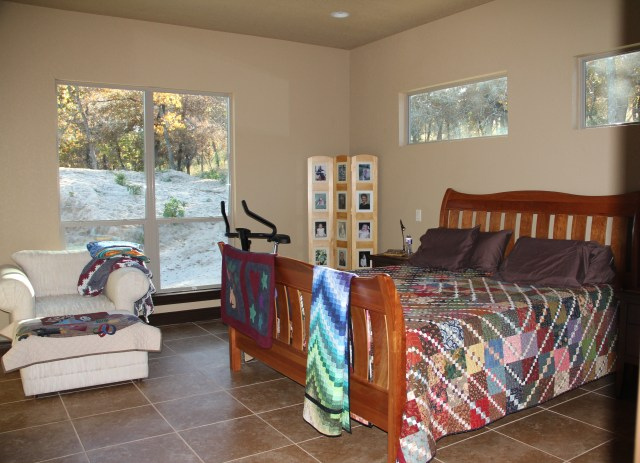 Master bedroom - the quilt on the bed was part of an exchange (I did the exchange 3 times, because I gave my first quilt to Alex Anderson)