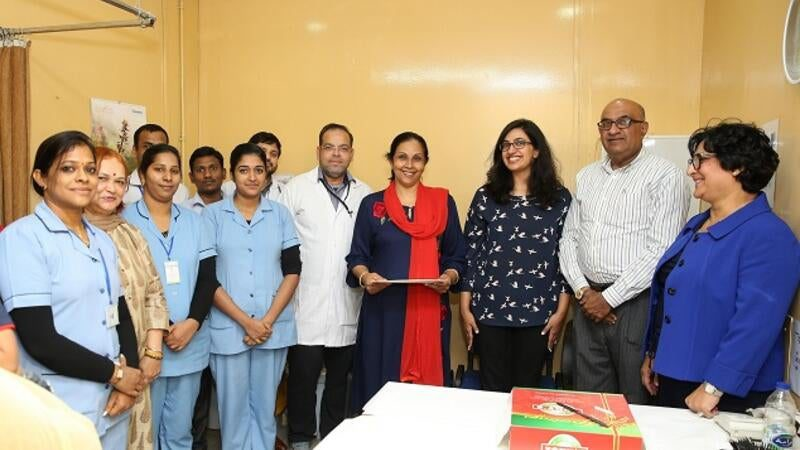 right_health_employees_honoured_by_right_health_s_md_dr_sanjay_paithankar_cio_shainoor_khoja