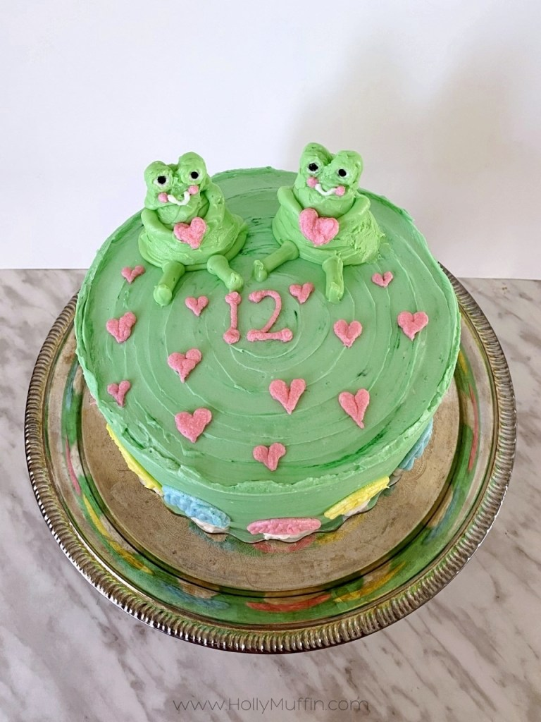 Easy buttercream frog cake