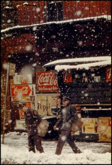 001-saul-leiter-photography-the-red-list