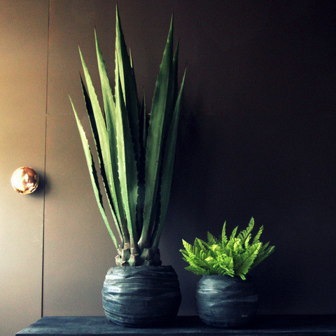 Abagail ahern rubber_pots_lifestyle_1024x1024