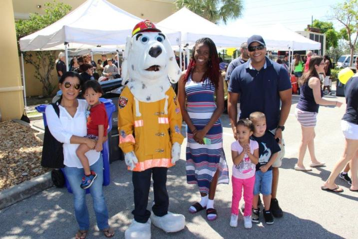 IMG_9368 City of Hollywood hosts public safety event