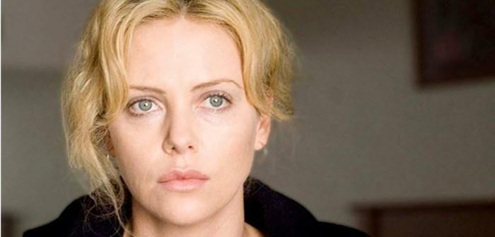 Max Max-actrice Charlize Therons traumatische jeugd: 'Mijn moeder schoot mijn vader voor mijn ogen dood'