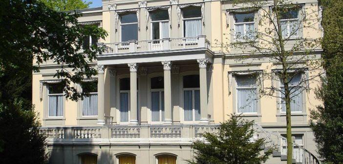 Robin van Persie koopt binnen een dag voor €6,55 miljoen villa van Dragon Dens Michel Perridon