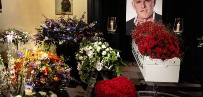 Uitvaart vandaag: 7500 Mensen bewijzen Peter R. de Vries laatste eer
