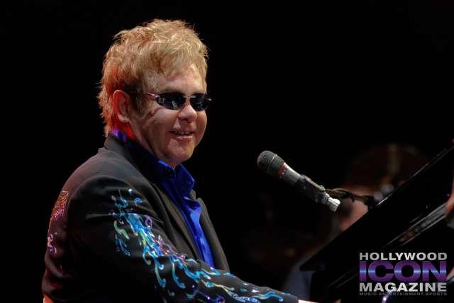 Sir Elton John Yakima Sundome © JB Brookman Hollywood Icon Magazine-5f