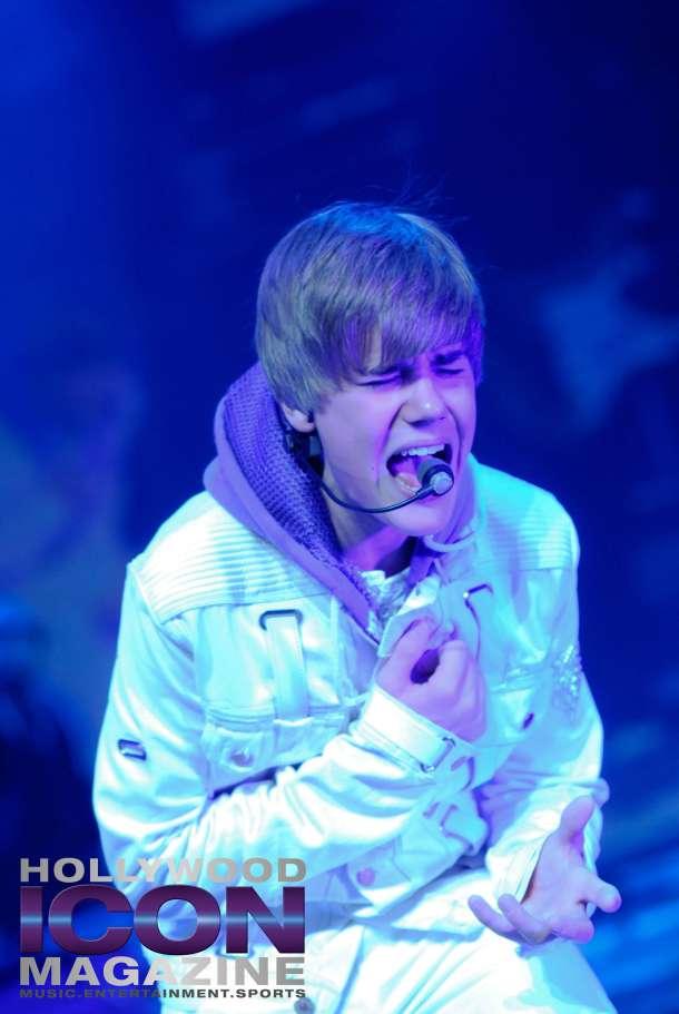 Justin-Bieber-Staples-Center-Los-Angeles-©-JB-Brookman-Photography-Hollywood-Icon-Magazine-35fhim