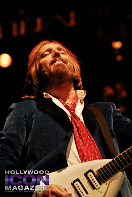 Tom-Petty-and-The-Heartbreakers-Hollywood-Bowl-LA-©-2010-JB-Brookman-Photography-Hollywood-Icon-Magazine--1-3f
