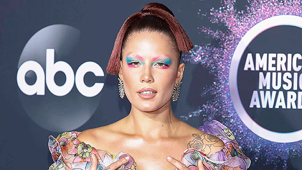 Halsey Looks Like Pink After Dying Her Hair The Neon Color — Pic – Gadget Clock