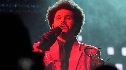 The Weeknd Takes Over The Stands & Belts Out 'Blinding ...