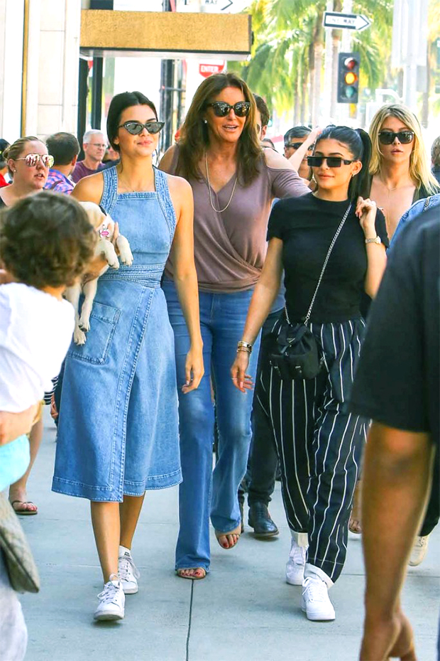 Caitlyn Jenner's Kids: Everything To Know About Her 6 Children & 4 Stepchildren