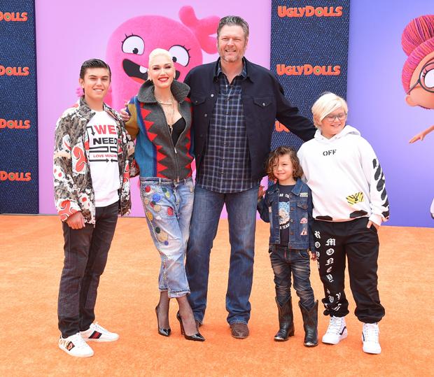 Gwen Stefani, Blake Shelton, & Family