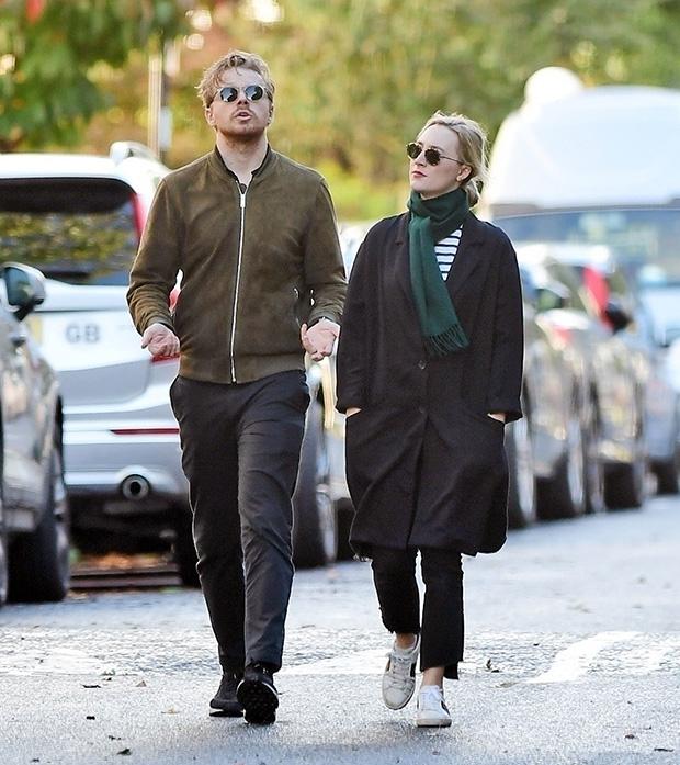 Saoirse Ronan jack lowden rare stroll london backgrid embed1