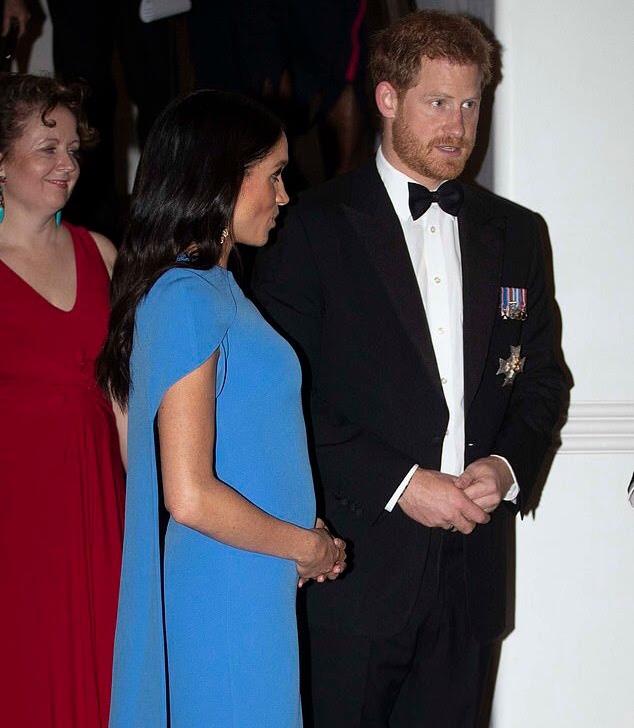 Королевский шок. Меган Маркл и принца Гарри во дворце называют «липкой семьей», а королевский биограф говорит о фатальных переменах в характере Гарри.