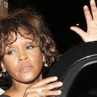 Робин Кроуфорд, любовница Уитни Хьюстон говорит о ее наркозависимости. Икона сцены скончалась в отеле Beverly Hilton в 2012 году, фотографии ее мрачной ванной дома в Атланте потрясли мир.