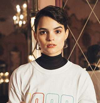 Gay Brianna Hildebrand Reveals Dating Requirements