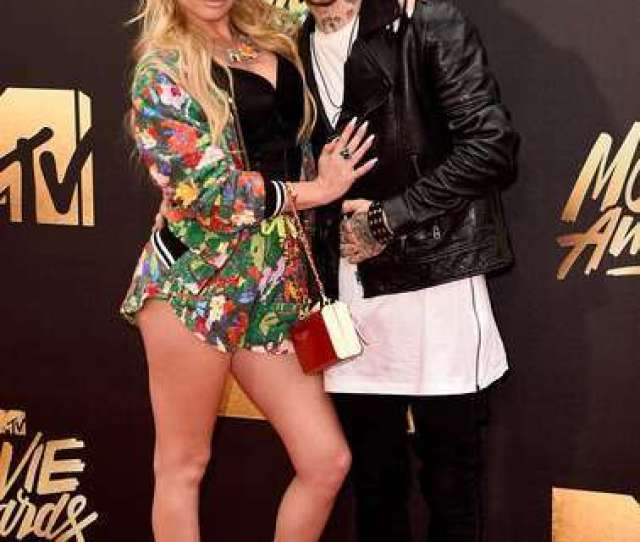 Boyfriend Chanel West Coast Is Posing With Her Boyfriend Liam Horne In A Red Carpet Of Mtv Movie Awards At Warner Bros Back In 2016 In Burbank California