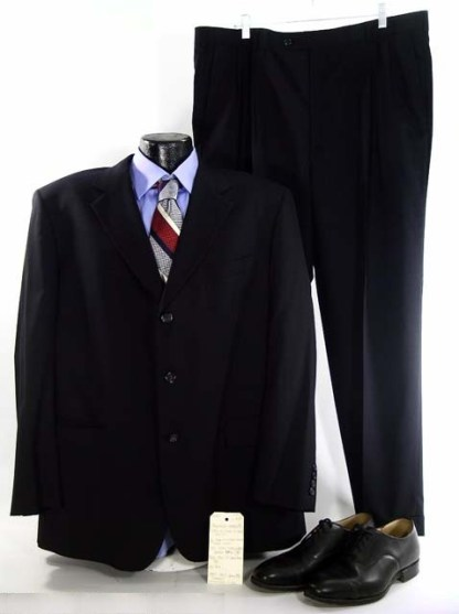 SCARY MOVIE 4: President's (Leslie Nielsen) Outfit