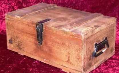 SHANGHAI KNIGHTS: Wooden Ammo Box