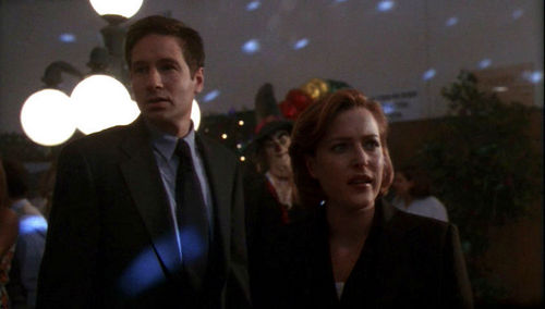 X-Files-The-Rain-King-6X08-the-x-files-8256667-500-284