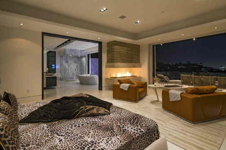 デザイナーハウス 寝室 暖炉