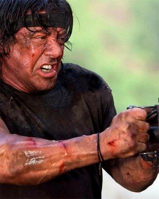 Rambo descendo a lenha na metranca